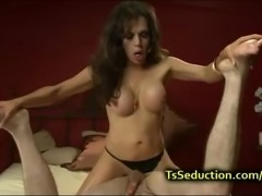 Tranny fucks guy and makes him cum