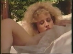 Woman fucked by vintage hermaphrodite