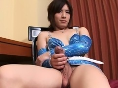 Sweet asian tranny jerks off