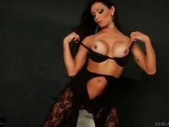 Karen Rodrigues hot solo