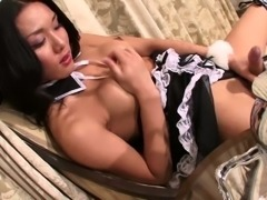 Ladyboy Maid Plays