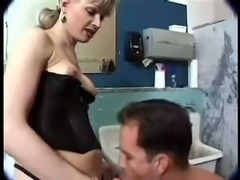 Tranny plugs horny stud in the toilet