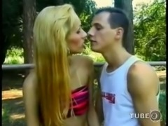 Petite blondie fucks dude outdoor