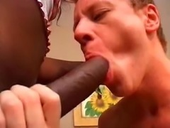 Yummy Ebony Tranny Fucking White Guy