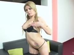 Blonde babe & shemale suck & fuck