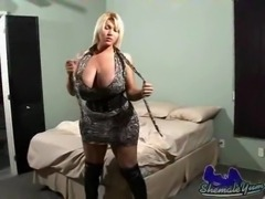 Busty Alijah jerks on her bed