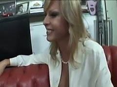 Big dicked tranny fucks dude in mouth