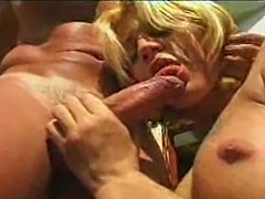 Blonde Tranny Likes Hardcore Anal Ending With Facial