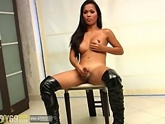 Police ladyboy show in solo powerful cumshot